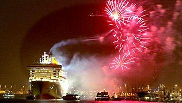 Новогодний карнавал в Балтийском море-882569684