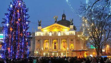 Новый год во Львове ж/д-1502097339